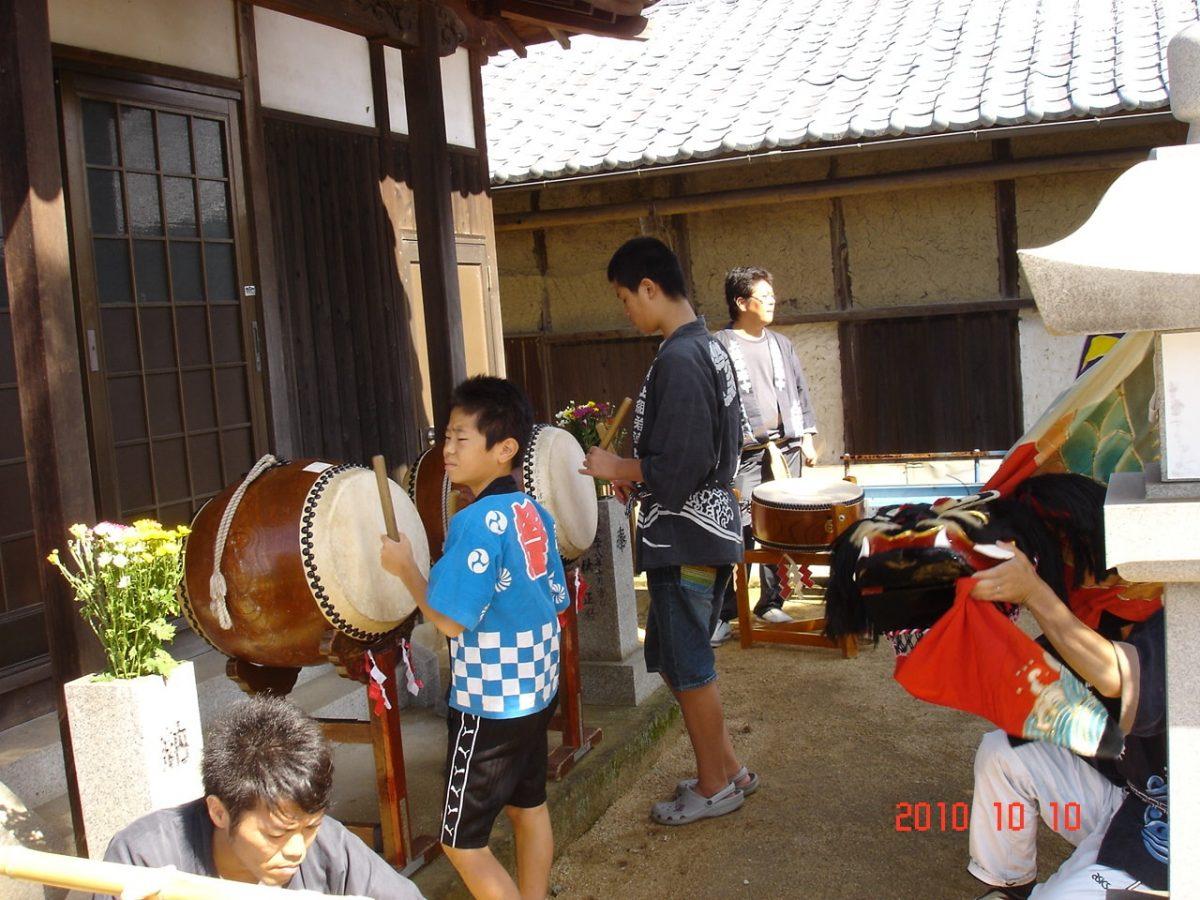 2010年 多度津町山階 秋祭り 小祭り 上小原獅子組