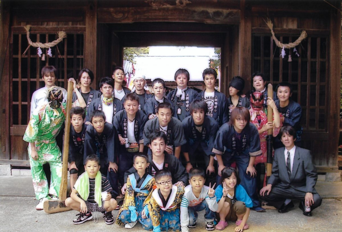 2011年 多度津町山階・春日神社 秋季例大祭 記念 集合写真 上小原獅子組