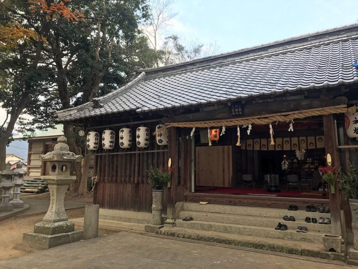 多度津町山階・春日神社 拝殿