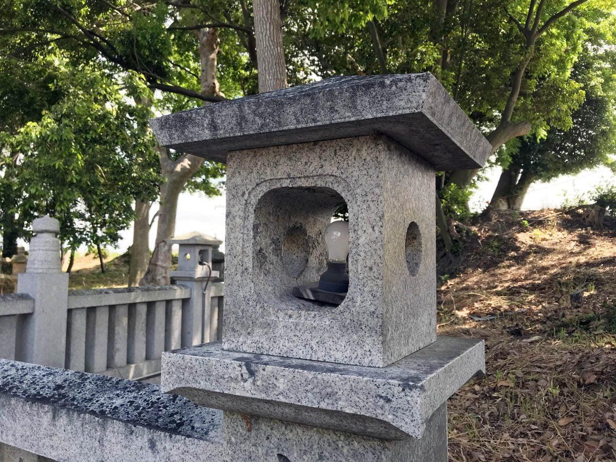 多度津町山階・春日神社 玉垣 燈籠