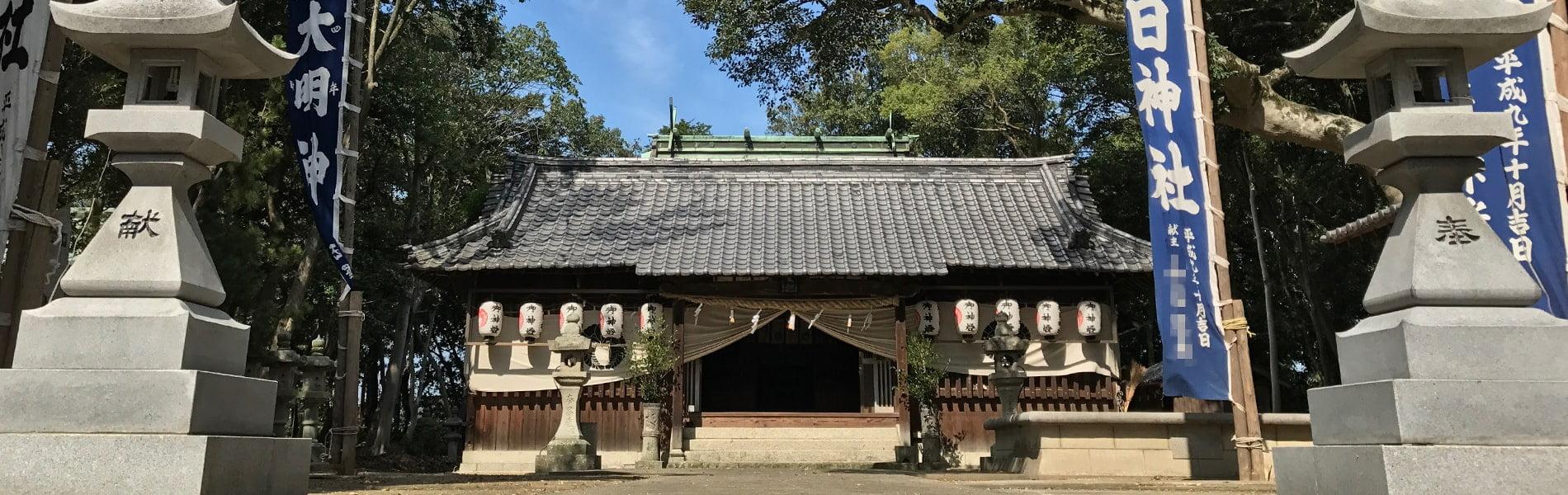 社叢に佇む奉納神社