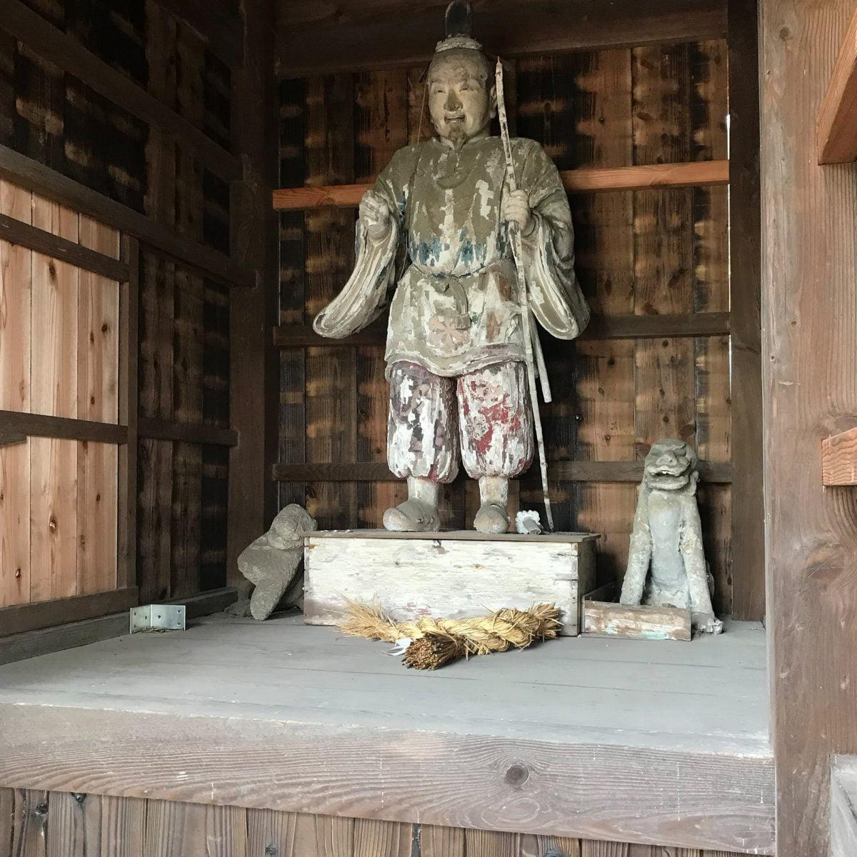 多度津町山階・春日神社 随神門 改修後